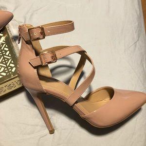 Pumps/Heels